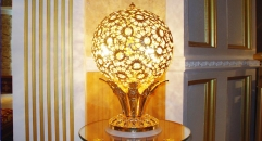 luxury decoration antique Gold 24K style globular pierced table lamp