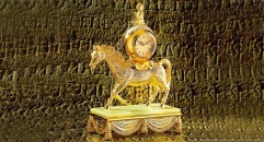 luxury decoration antique Gold 24K style table clock with horse and rider sculpture