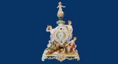 Four children three beauties table clock (import)