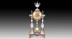 Four-column stand and trophy decorative table clock