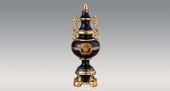 Luxury royal display porcelain art decoration, antique european style trophy, double handle black glazed trophy