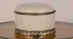 luxury white porcelain and golden copper small round box, lucky home decoration, unisex ceramic and enamel display good